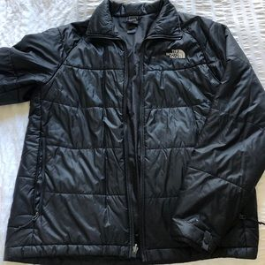 North Face Men's light weight puffer in Black